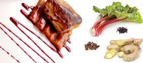 Foie gras poêlé, tarte fine à la rhubarbe