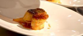 Foie gras poêlé, coings confits au miel