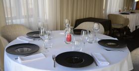 Restaurant Dos de bar aux bourgeons d'hémérocalles 42820 Ambierle