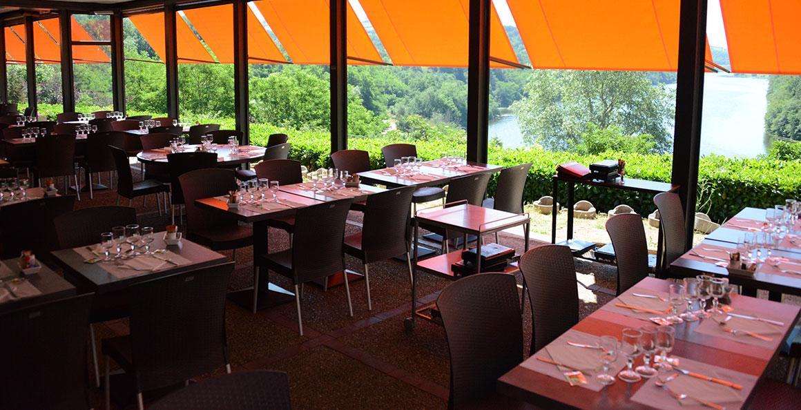 restaurant-chateau-roche-loire-1.jpg